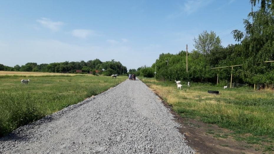 В Таловском районе в 4 поселках дороги отсыпали щебнем