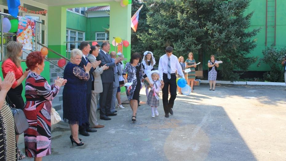 Хохольская сельская школа отметит 60-летний юбилей