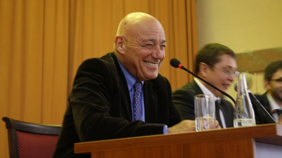 В Воронеже Владимир Познер рассказал, как был литературным секретарем Самуила Маршака