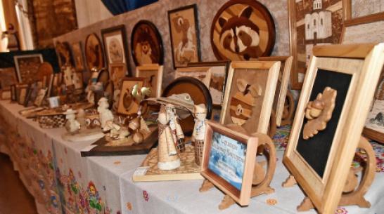 Бутурлиновцев пригласили на выставку работ местных ремесленников