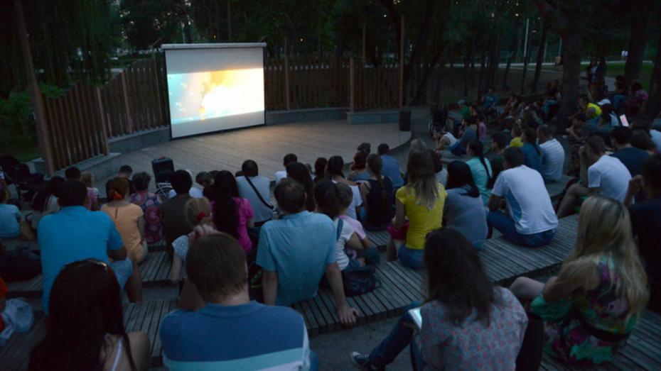 Новохоперцев пригласили посмотреть фильм о войне под открытым небом