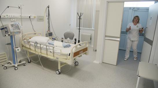 За 2 дня в Воронежской области число коек для COVID-пациентов сократили на 260