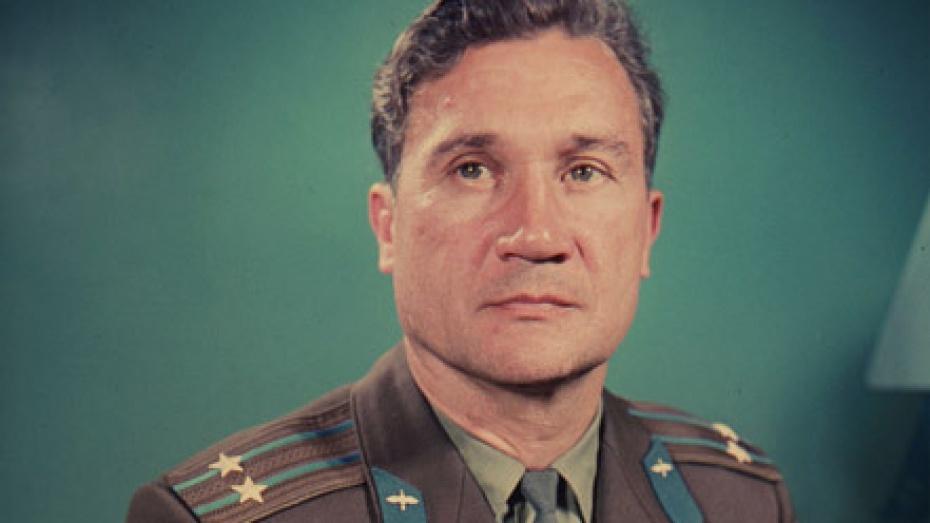 Почетный знак «Благодарность от земли Воронежской» сегодня получил космонавт Анатолий Филипченко