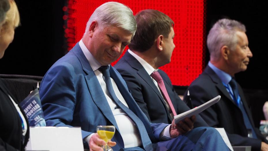 Губернатору Александру Гусеву представили идеи по развитию Воронежской области