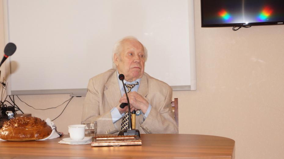 Известный кинорежиссер из Хохольского района Василий Панин умер в Москве