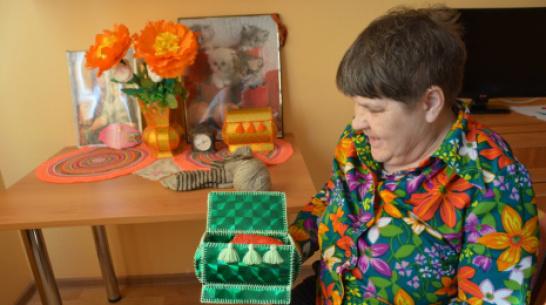 Кантемировцев пригласили на выставку работ постояльцев пансионата для пожилых и инвалидов