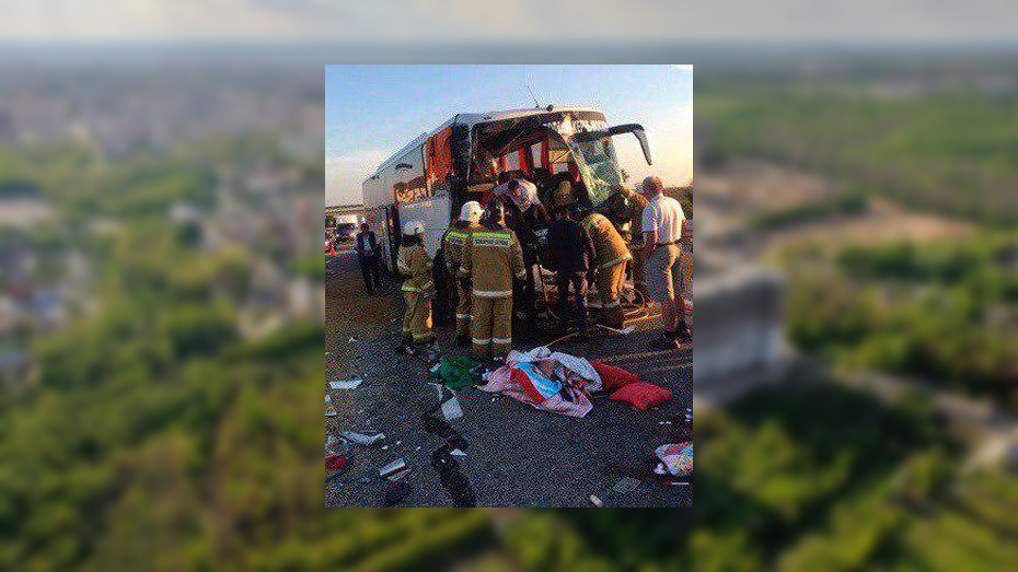 В Воронежской области при столкновении КамАЗа и рейсового автобуса погибла крымчанка