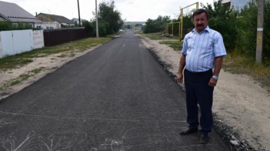 В рамонском селе Новоживотинное впервые заасфальтировали окраинные улицы