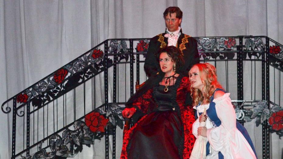 Лискинцев пригласили поучаствовать в иммерсивном спектакле «Мария Тюдор»