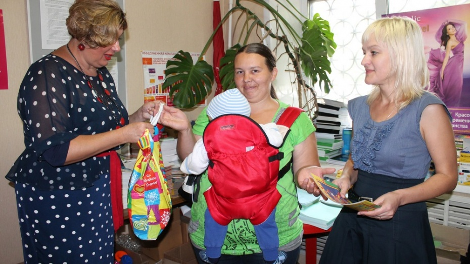 Борисоглебский женсовет помог многодетным семьям собрать детей в школу