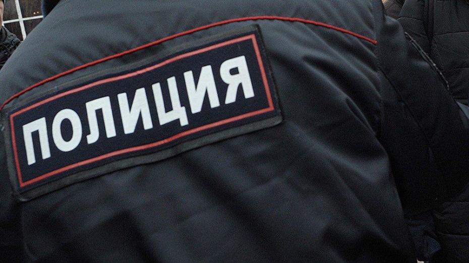 Житель Воронежской области укусил полицейского за бровь