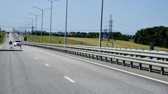 Большегрузы заставят снижать скорость при подъезде к Лосево Воронежской области
