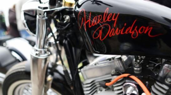В Воронежской области пьяный мужчина разнес мотоциклы байк-клуба на чужом УАЗе