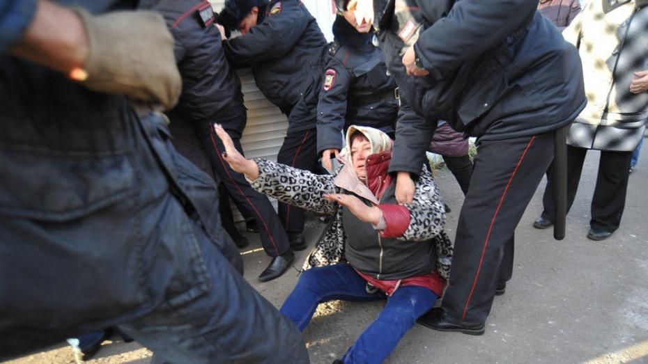 Конфликт вокруг рынка на Димитрова в Воронеже. Как торговцы дрались за киоски