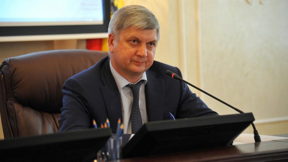 Александр Гусев предложил изменить систему муниципальных закупок в Воронежской области