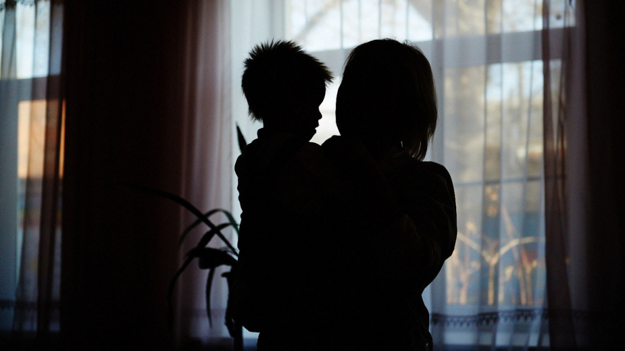 «У вас 3–7 месяцев». Как жительница Воронежской области спасает неизлечимо больного сына
