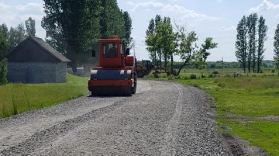В таловских поселках Еланка и Абрамовка на ремонт дорог направили более 3,5 млн рублей