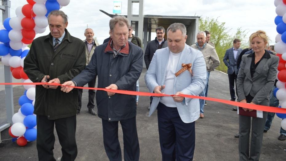 В Новоусманском районе открыли надземный пешеходный переход через трассу Воронеж-Тамбов
