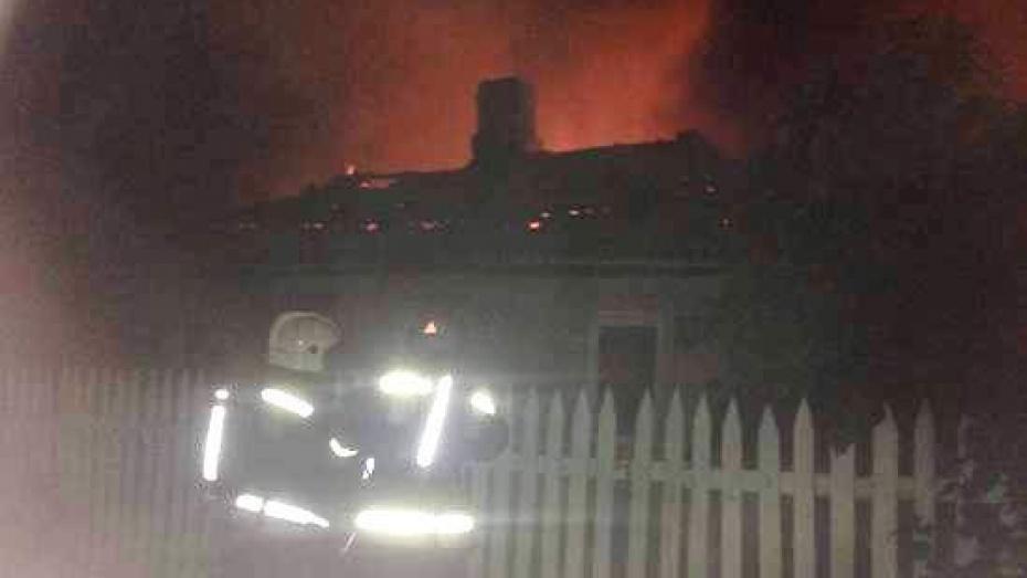 Пожарные нашли в горящем доме тело воронежца