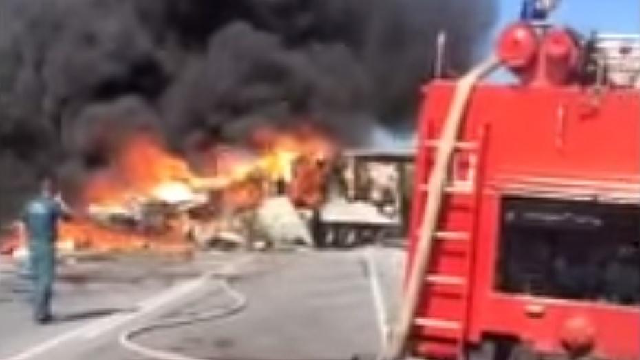 В ДТП с автобусом и фурой под Красноярском погибли 11 человек