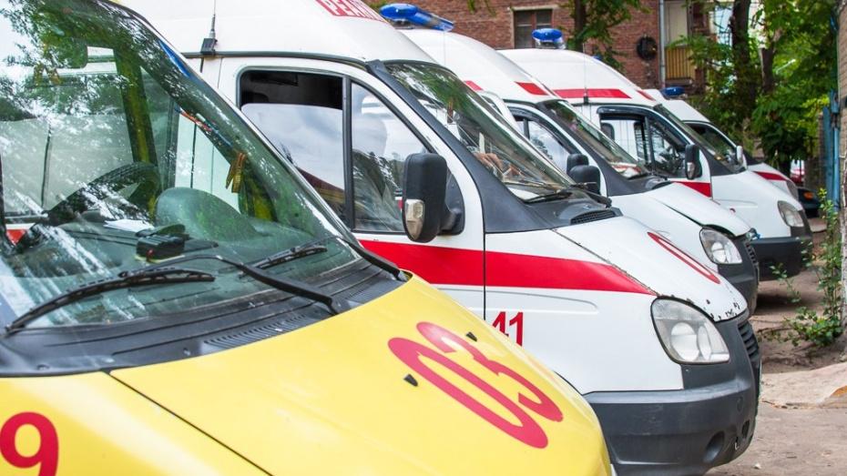 ВВоронеже «ВАЗ» сбил мотоциклиста: мужчину госпитализировали