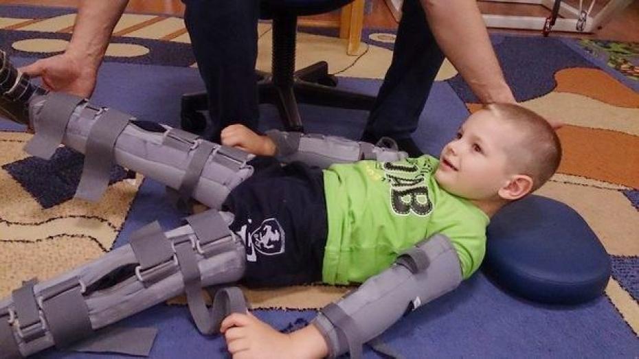 Таловчане оплатили реабилитацию 5-летнему мальчику с параличом ног