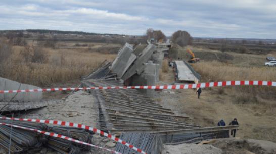 В больнице умер один из пострадавших при обрушении моста в Воронежской области