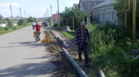 На центральных улицах села Воробьевка впервые сделают тротуары
