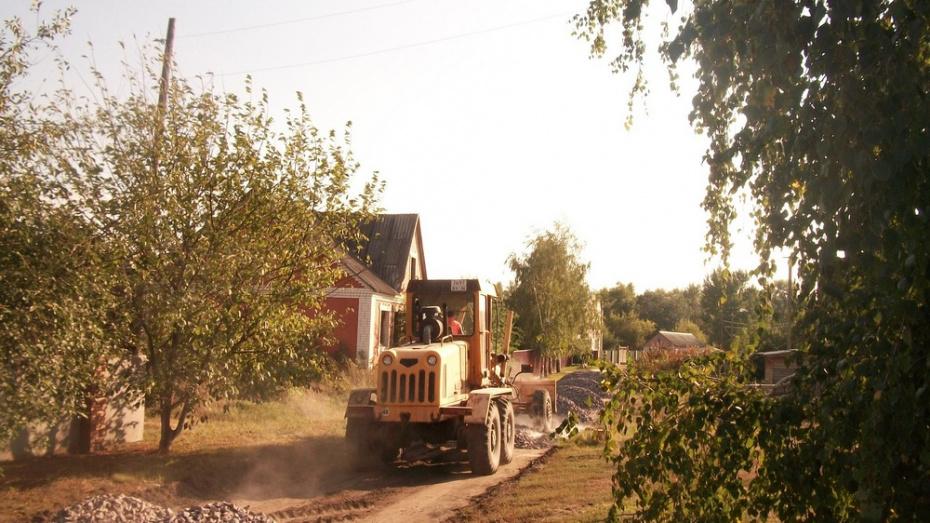 В Верхнемамонском районе на ремонт дорог потратили более 53 млн рублей