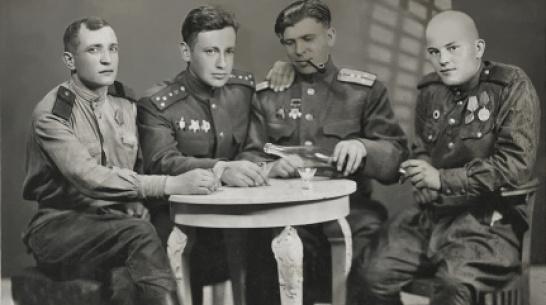 Фронтовики и партизанка. Житель Воронежской области поведал о военном пути родственников