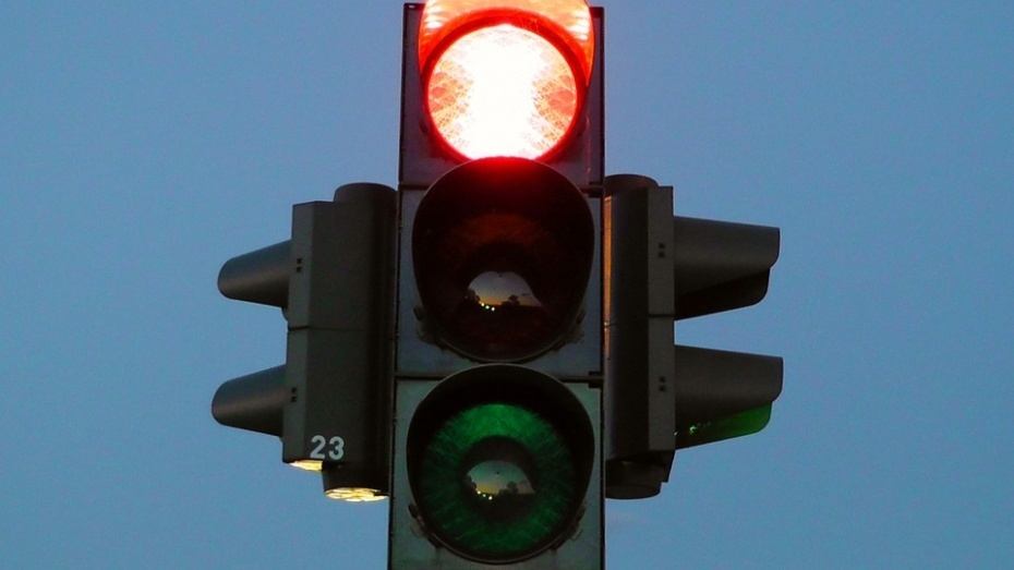 «Умные» светофоры уменьшили время простоя наМосковском проспекте Воронежа на28%