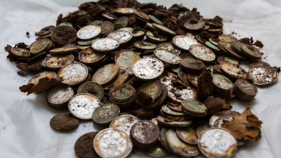 На ВДНХ обнаружили клад серебряных монет начала прошлого века