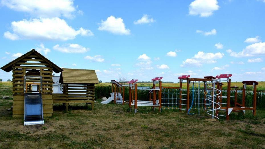 В воробьевском поселке Высокое сделали детскую площадку