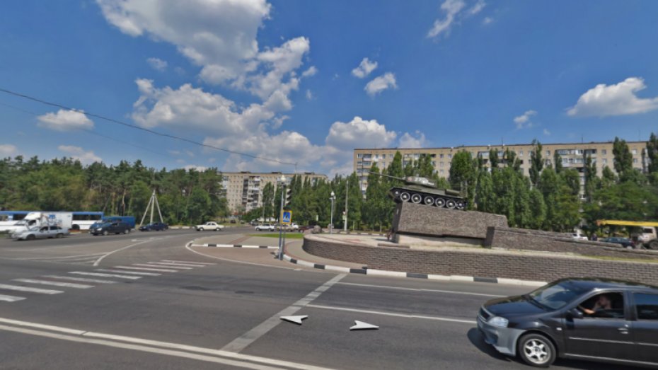 Памятный знак танку Т-34 в Советском районе Воронежа реконструируют ко Дню города