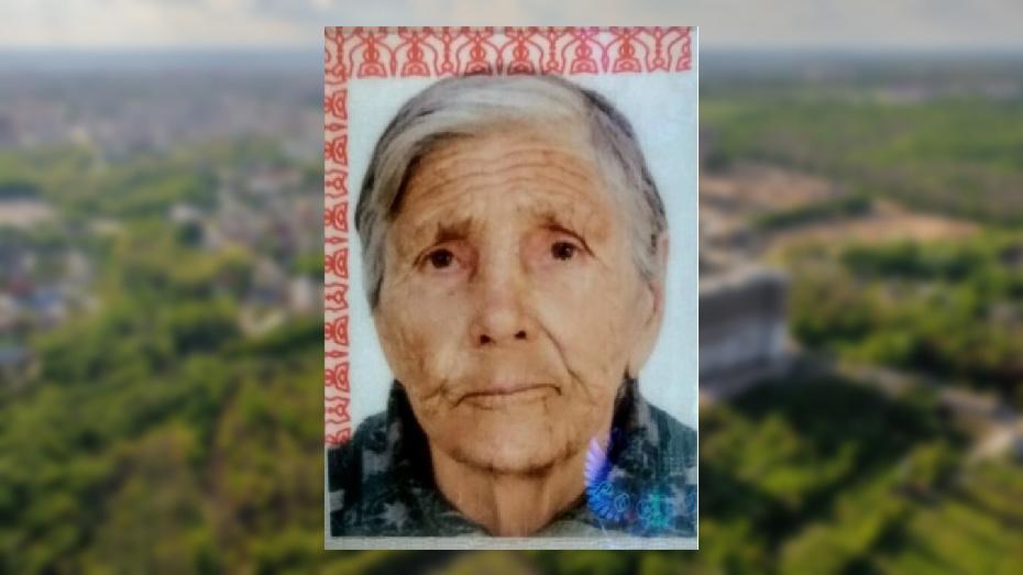 В Воронежской области пропала бабушка в красной шапке