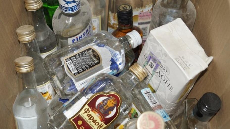 Торговавший алкоголем в детсадах Лисок бутлегер заплатит штраф за взятку полицейскому