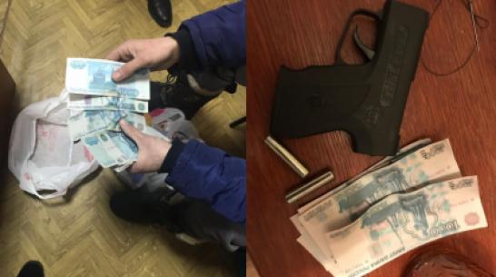 В Воронежской области задержали 2 фальшивомонетчиков