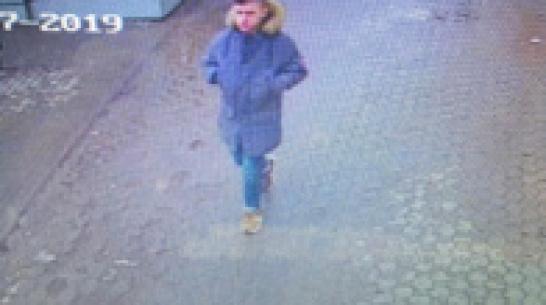Полиция дала ориентировку на сбытчика фальшивых купюр в Воронеже