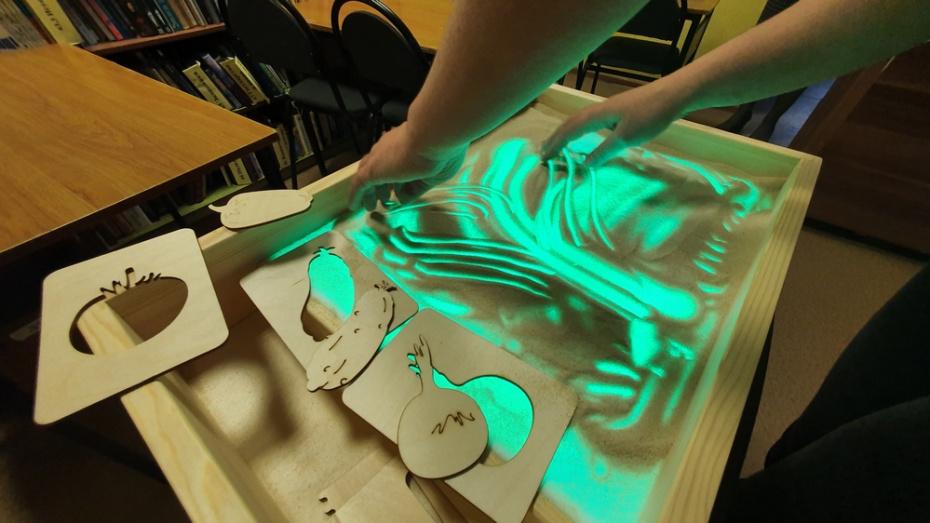 В Острогожскую детскую библиотеку поступило оборудование для детей с ЗПР