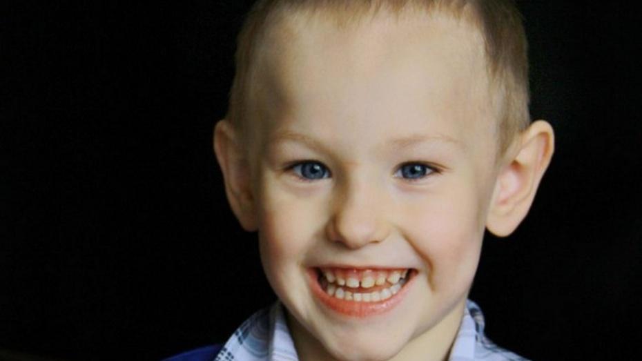 Семилукцы собрали на лечение трехлетнего мальчика более 50 тыс рублей