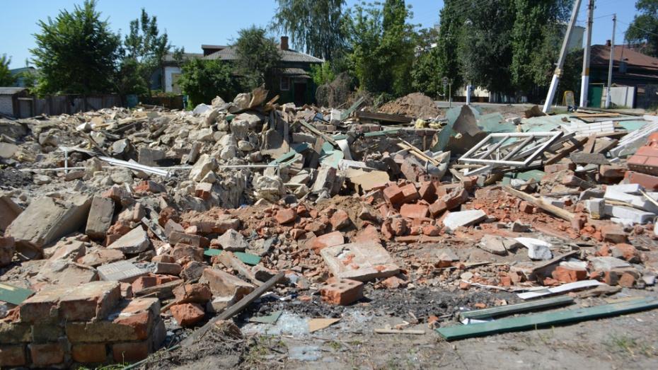 В Калаче при сносе дома строители нашли гранату