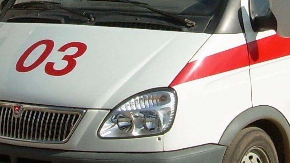 Под Лисками при опрокидывании Volkswagen пострадал водитель