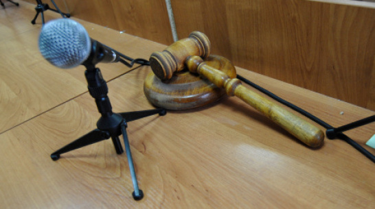 Трое воронежцев получили сроки за кражу 4 домкратов