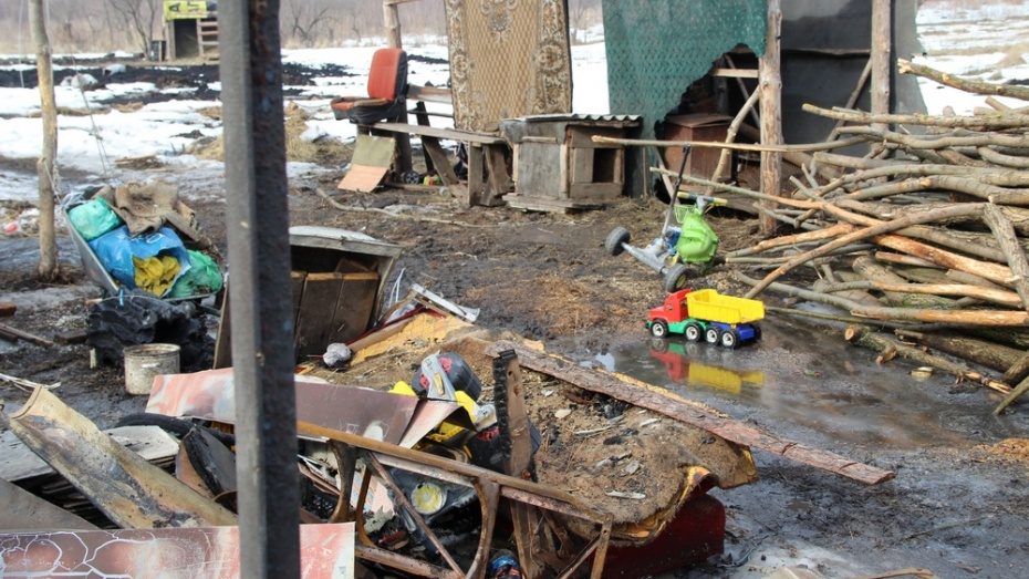 Пострадавший при пожаре в Новоусманском районе мальчик скончался в больнице