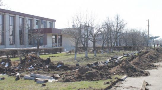 В Петропавловке благоустроят зону отдыха у районного Дома культуры