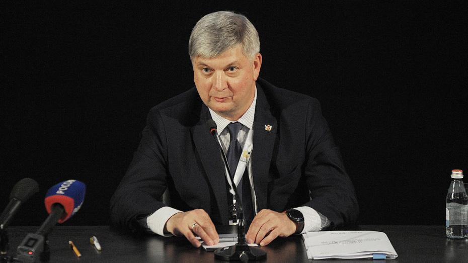 Воронежский губернатор прокомментировал скандал с выплатами Юрию Агибалову