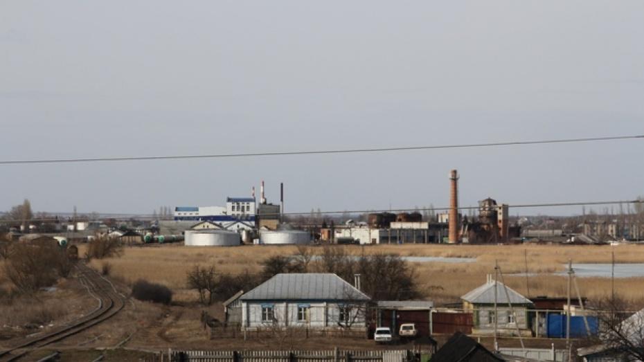 В Новохоперском районе на Краснянском спиртзаводе произошел прорыв  дамбы