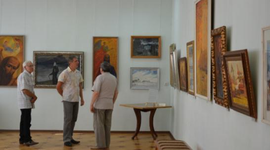 В Острогожске к 100-летию художника Василия Криворучко открылась выставка