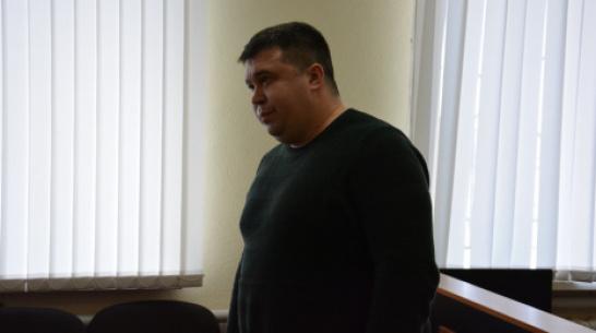 Экс-полицейского в Воронежской области приговорили к 3 годам и 6 месяцам колонии за коррупцию