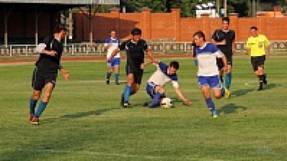 В Павловске прошел межрайонный футбольный турнир